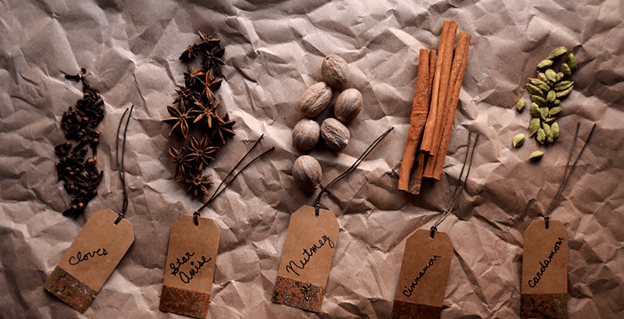 5 Essential Holiday Spices